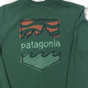 PATAGONIA LONG SLEEVE— size small